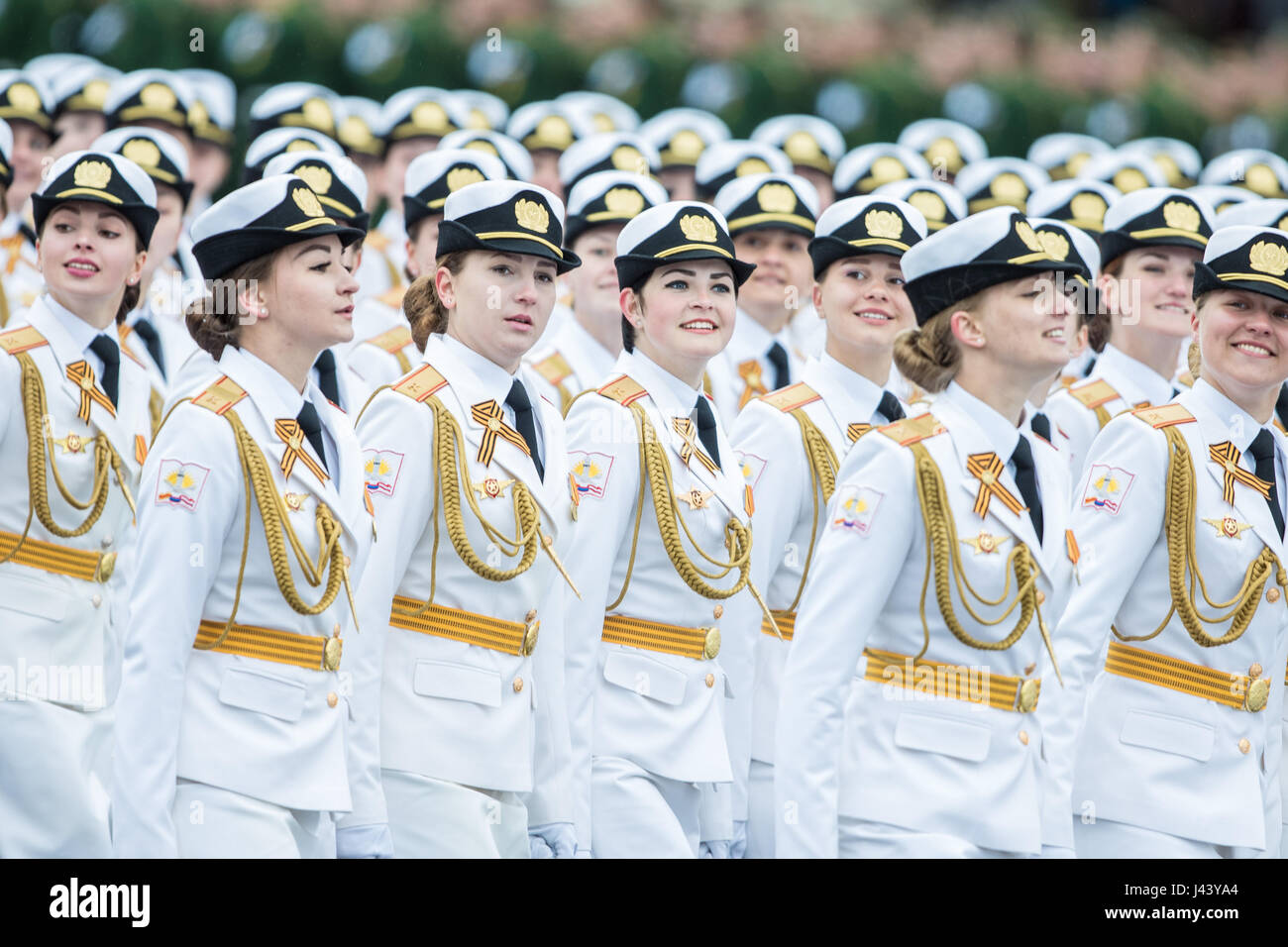 Moscow, Russia. 9th May, 2017. Russian servicewomen march during the Victory Day parade in Moscow, Russia, May 9, - Stock Image