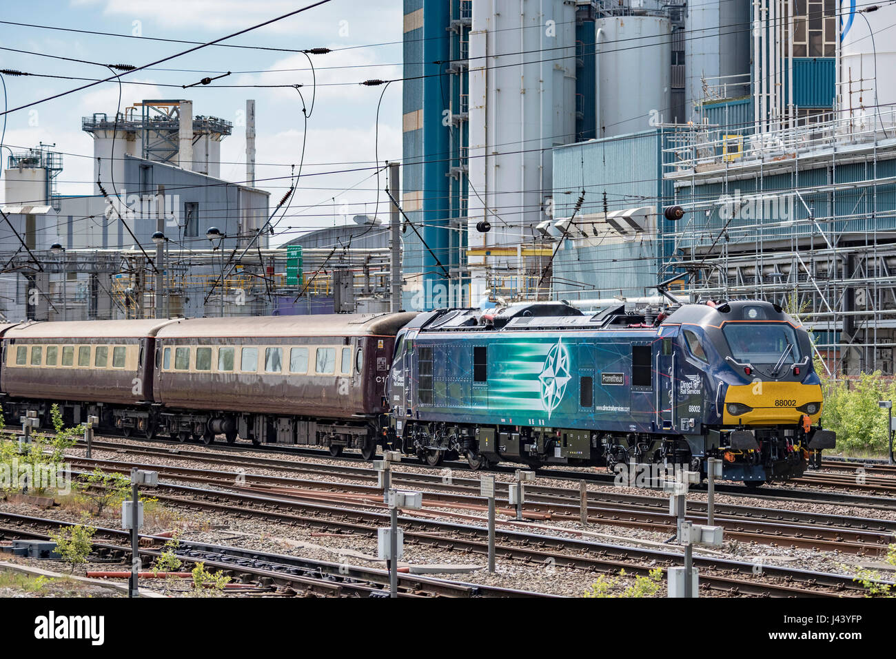 Warrington. UK. 09 May 2017. The Class 88 VIP Launch train the Belmond Northern Belle luxury rail tour from London - Stock Image