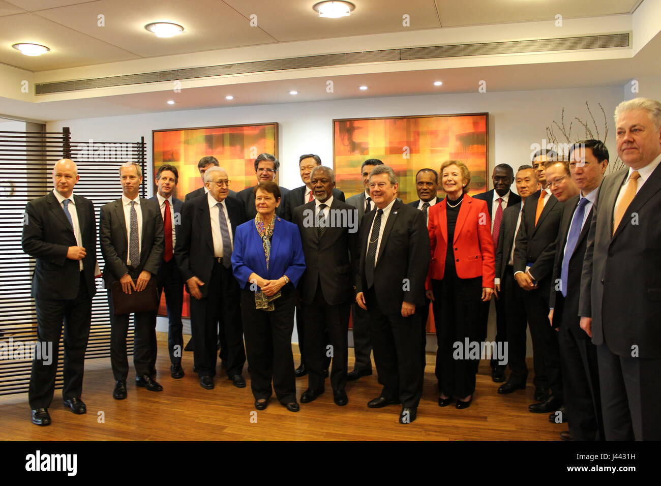 New York, USA. 9th May, 2017. Kofi Annan and fellow Elders Lakhdar Brahimi, Gro Harlem Brundtland and Mary Robinson Stock Photo