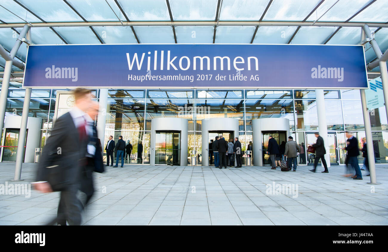 welcome sign munich stock photos welcome sign munich stock images alamy. Black Bedroom Furniture Sets. Home Design Ideas