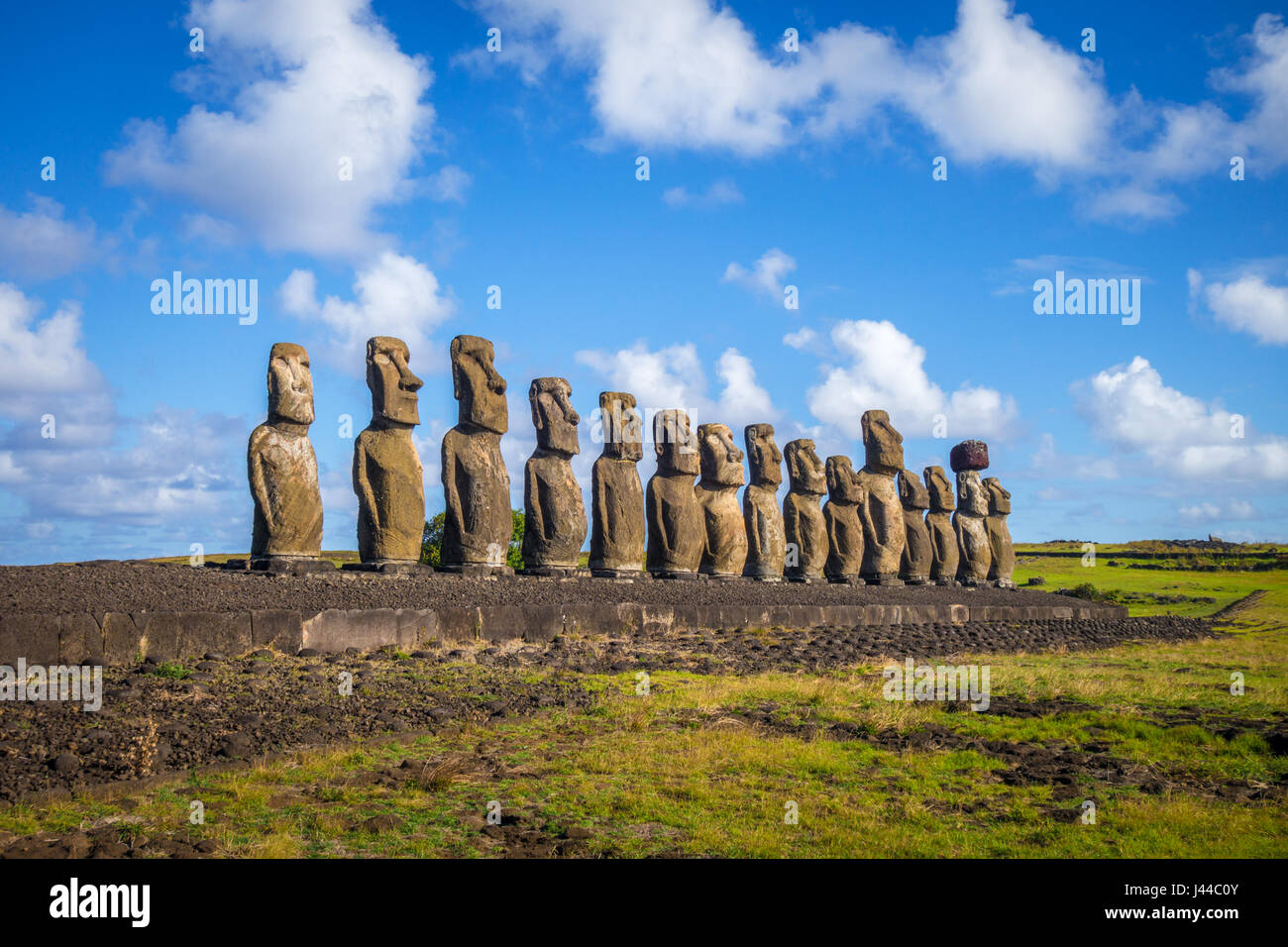 Moais statues, ahu Tongariki, easter island, Chile - Stock Image