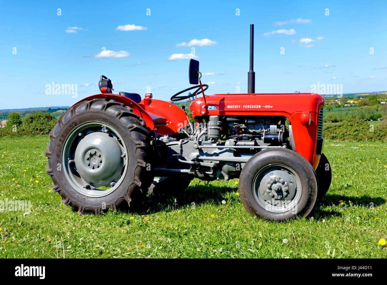 a vintage massey ferguson 35 tractor registration wam 375. Black Bedroom Furniture Sets. Home Design Ideas