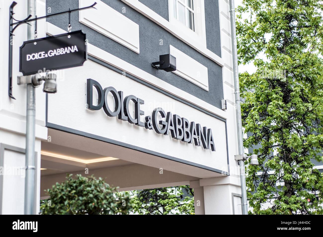 super popular 9d92d 5270a Dolce Gabbana Men Stock Photos & Dolce Gabbana Men Stock ...
