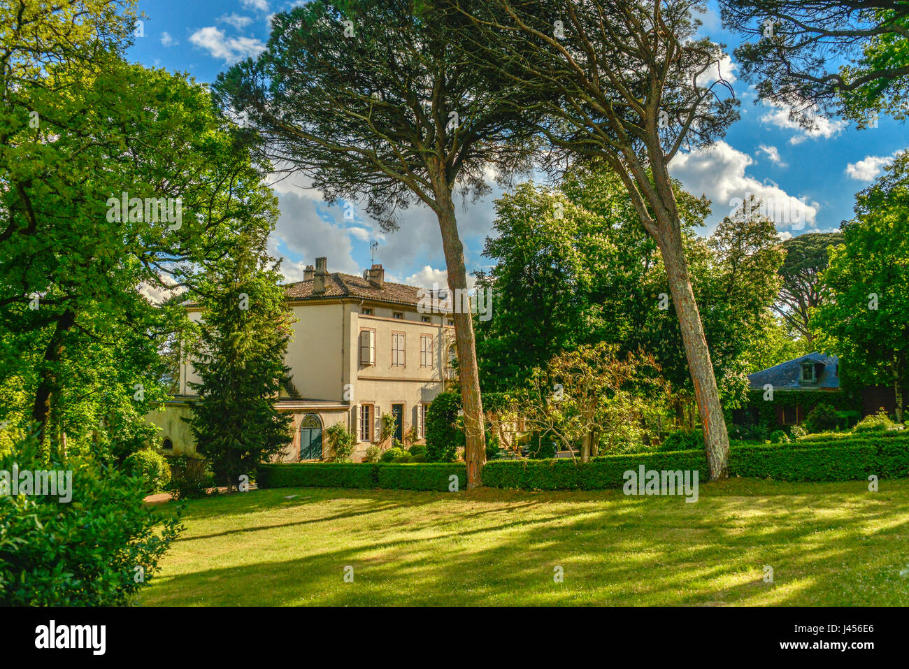 Chateau de Saurs, near Lisle sur Tarn, in Occitanie, France. - Stock Image