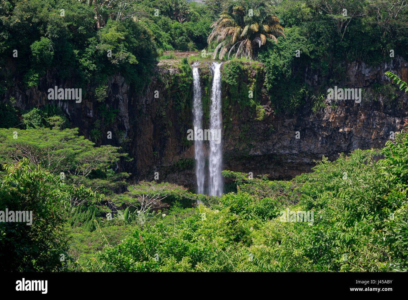 Mauritius.  The 90 meter high twin waterfalls of the Cascade Chamarel. - Stock Image
