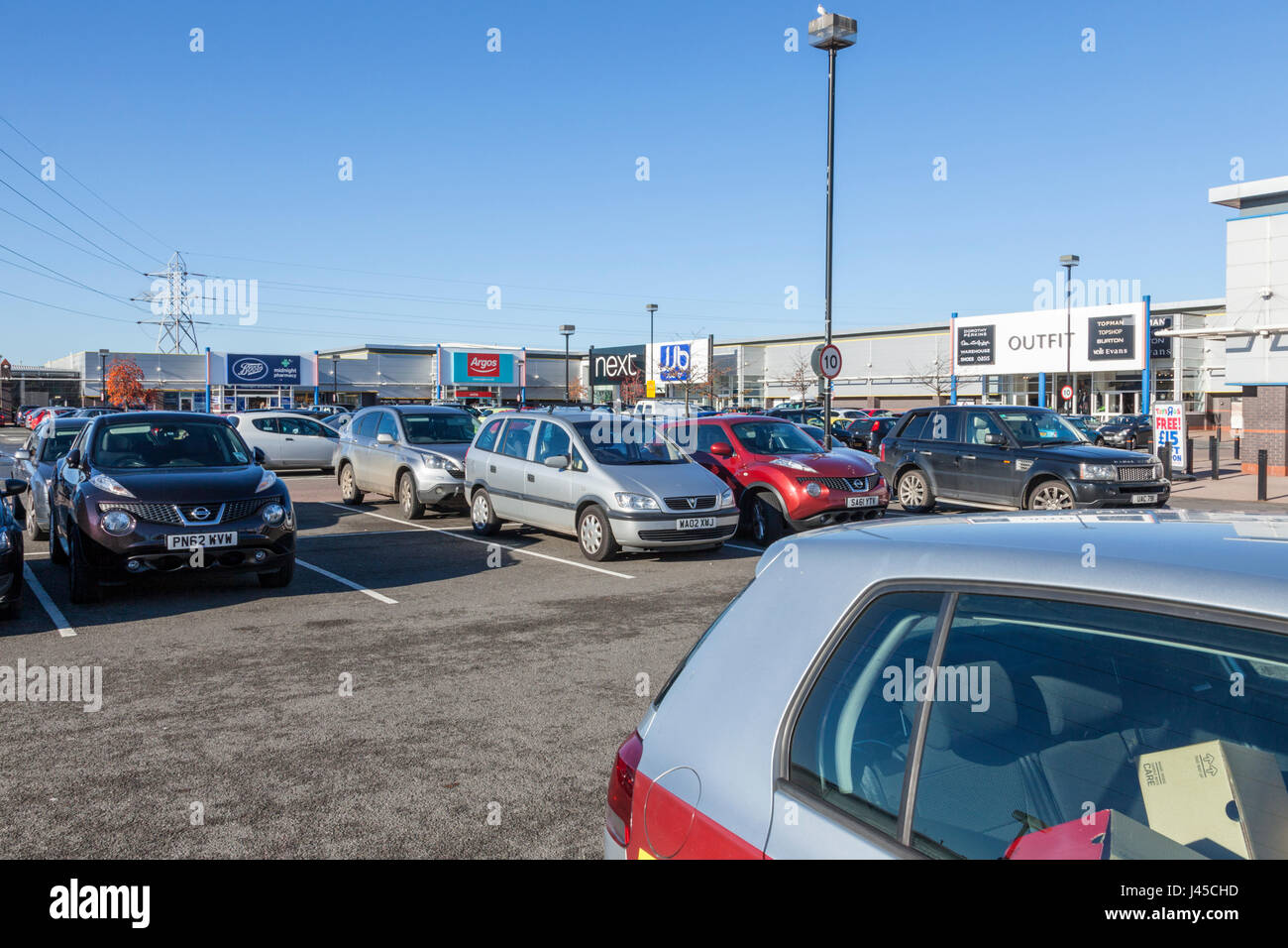 Car parking and stores at the Riverside Retail Park, Nottingham, England, UK - Stock Image