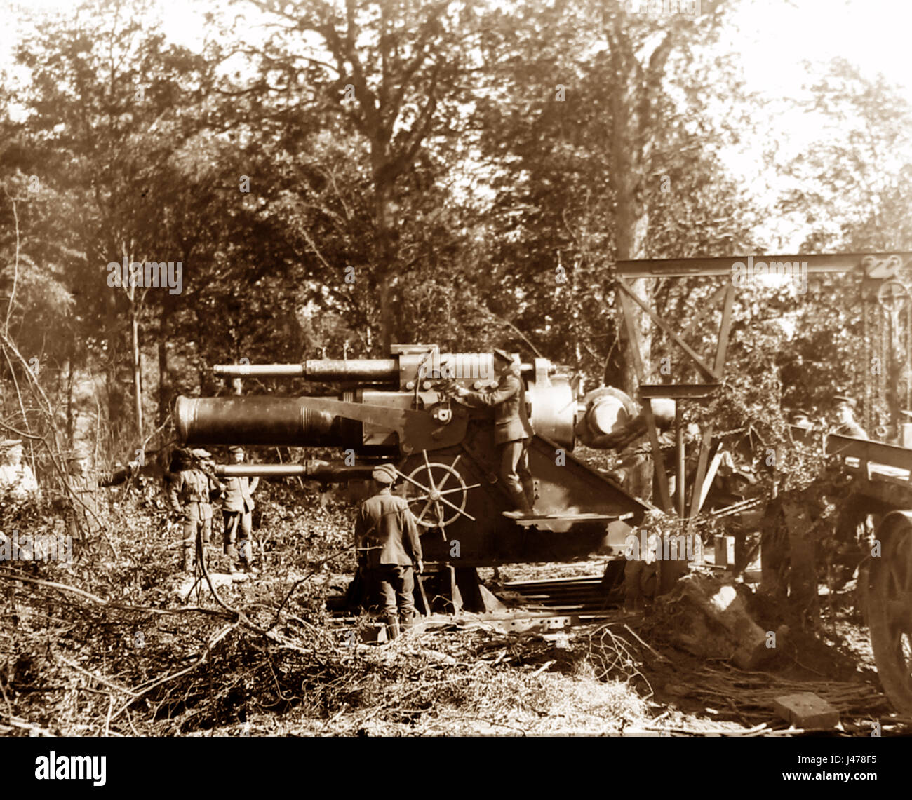 WW1 - Battle of Albert, France - 15 inch Howitzer in action - July 1916 Stock Photo