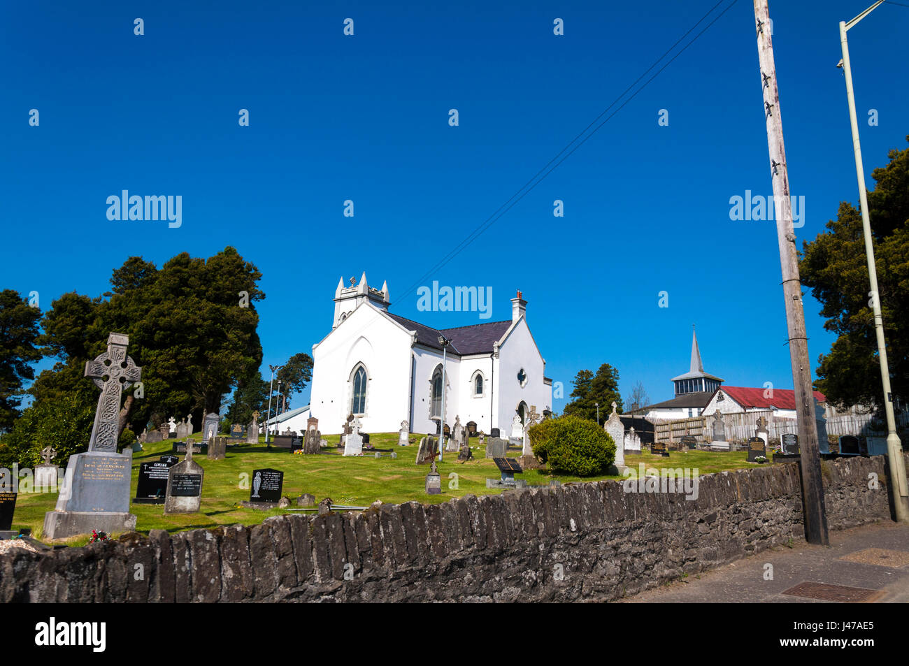 SAINT PATRICK'S CHURCH, CLAUDY, County Londonderry, Northern Ireland, Showing graveyard cemetery. - Stock Image