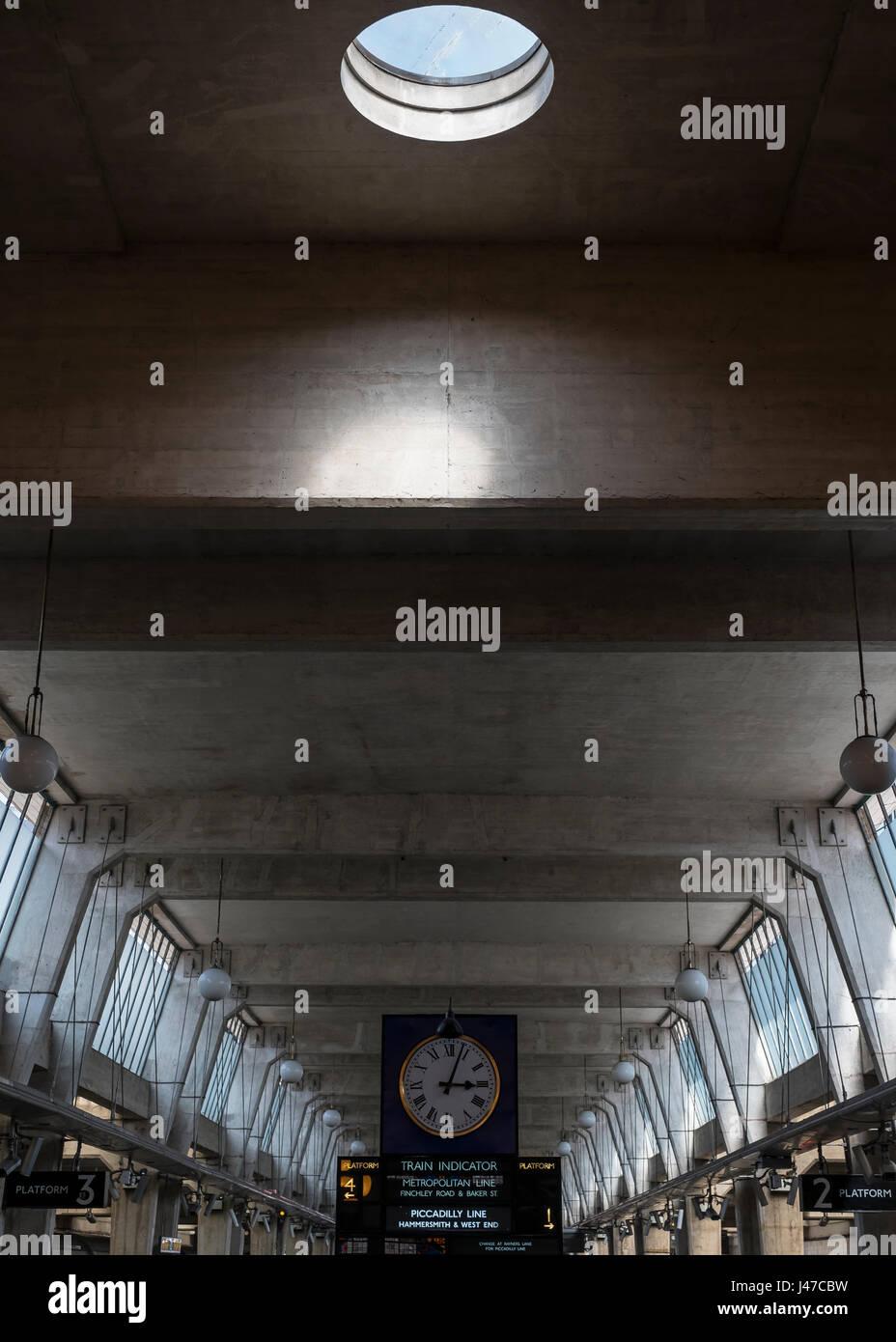 Uxbridge station - Stock Image