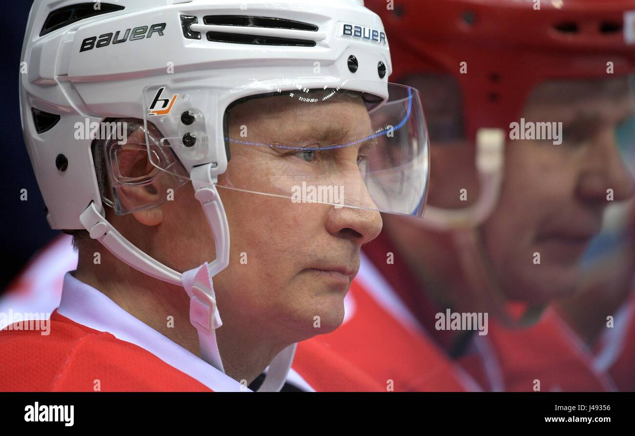 Sochi, Russia. 10th May, 2017. Russian President Vladimir Putin during the Night Ice Hockey League at the Bolshoy - Stock Image