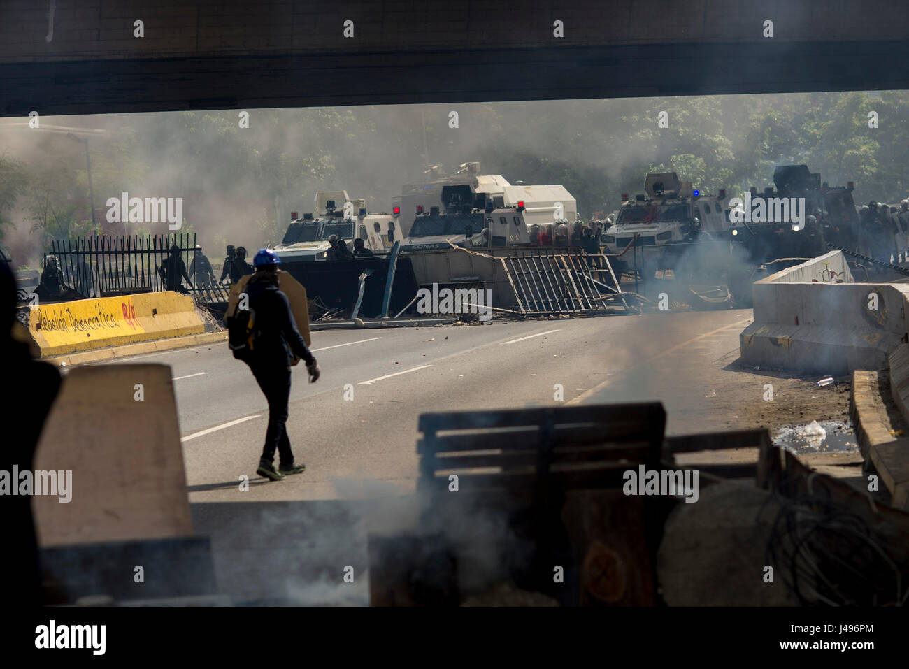 Caracas, Venezuela. 10th May, 2017. Barricades set up by protestors during anti-government protests in Caracas, - Stock Image