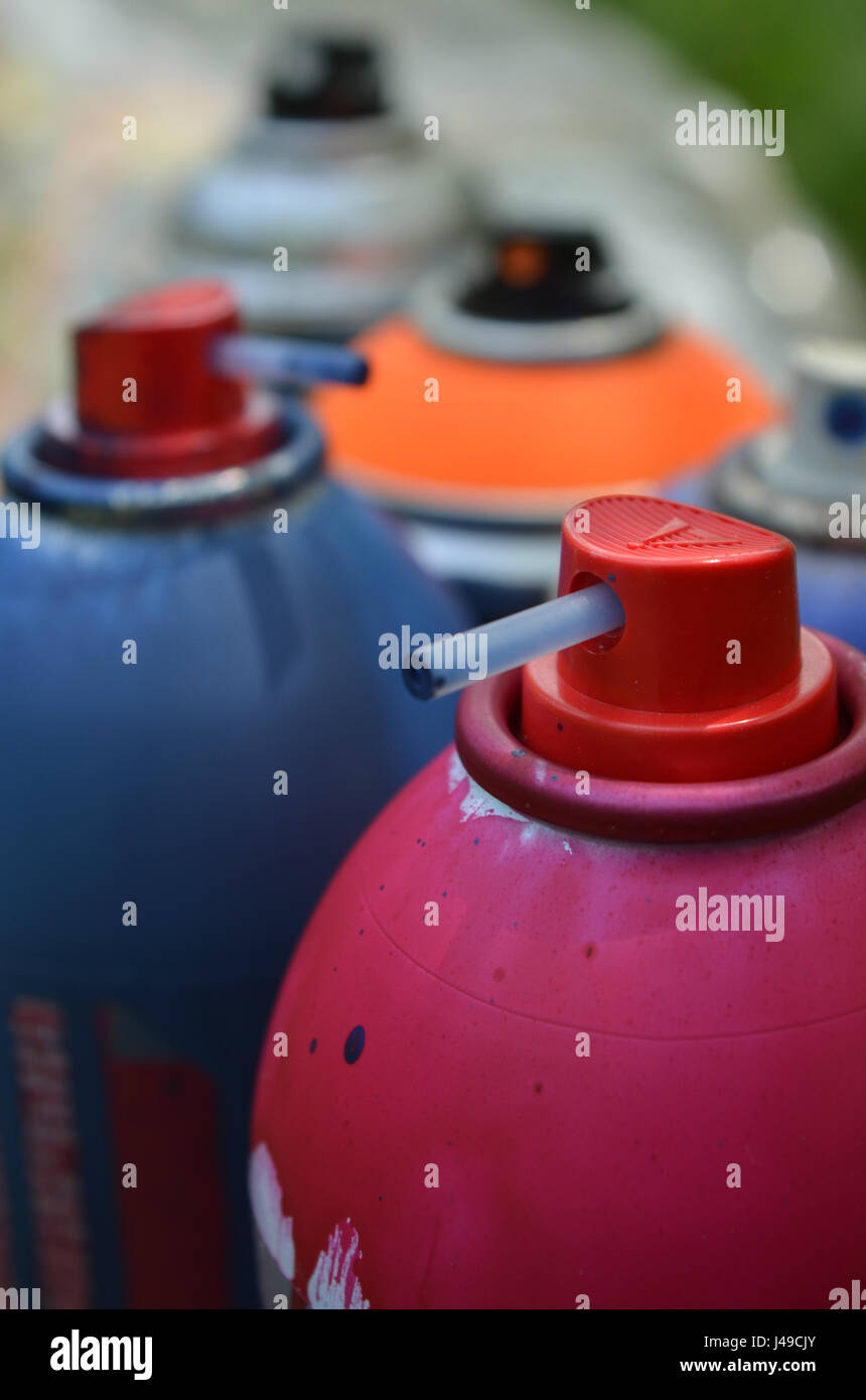 spray paint caps and cans of spray paint stock photo 140349075 alamy