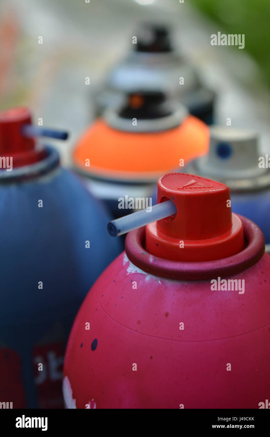 spray paint caps and cans of spray paint stock photo 140349095 alamy