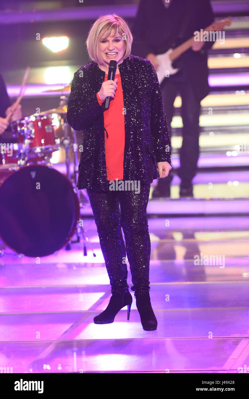 Recording of german ZDF TV show 'Willkommen bei Carmen Nebel' at GETEC Arena.  Featuring: Mary Roos Where: - Stock Image