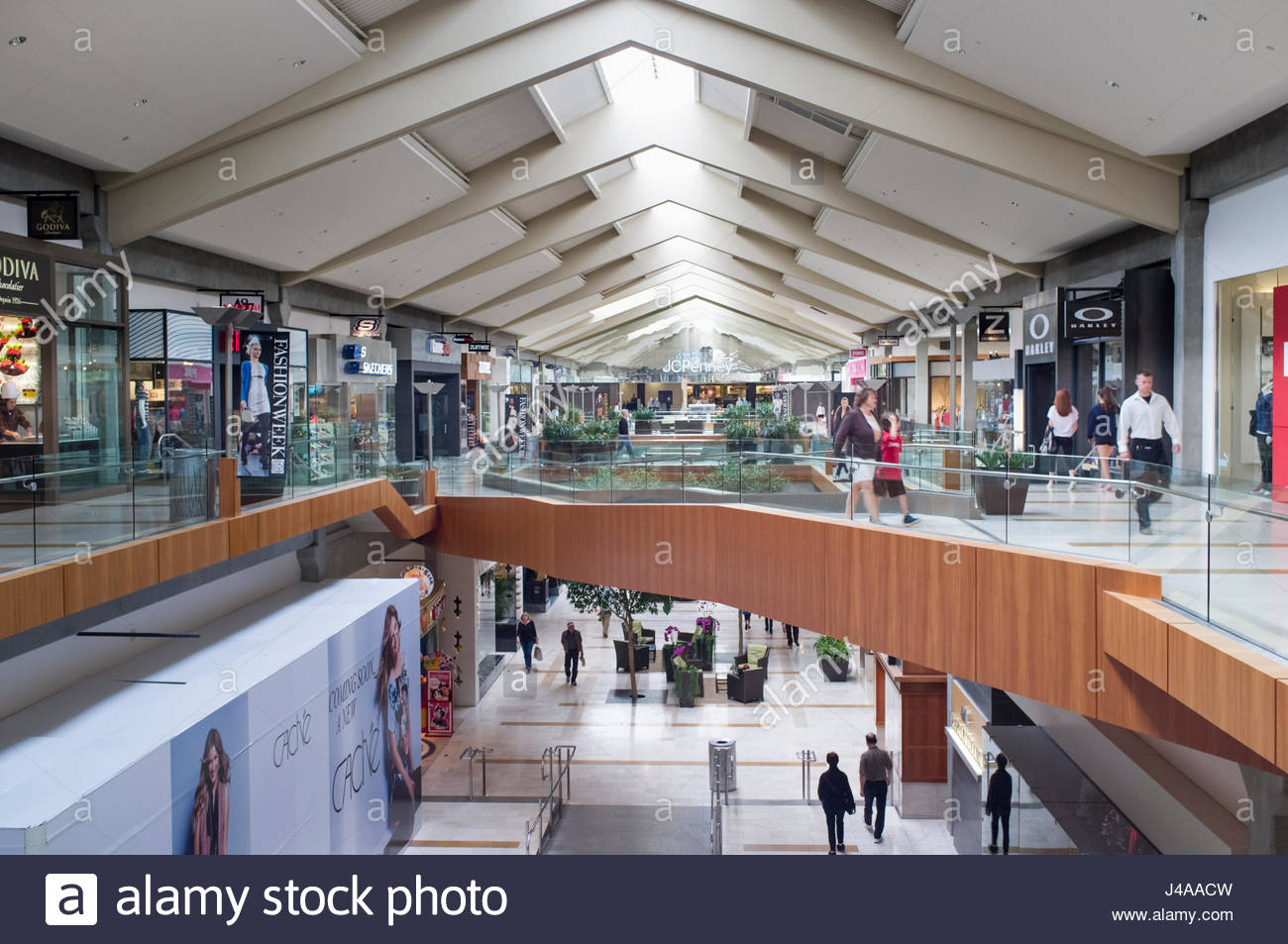 Bellevue Square Mall >> Vaulted Ceiling With Skylights In The Bellevue Square Shopping Stock