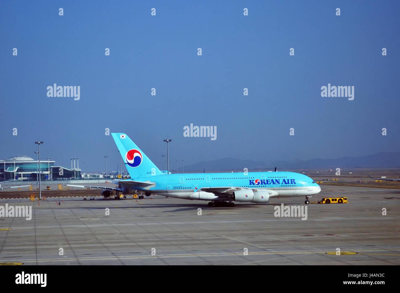 SEOUL, SOUTH KOREA - APRIL 9, 2017 - Korean Air Airbus A380-800 taxiing along the runway in Incheon International - Stock Image