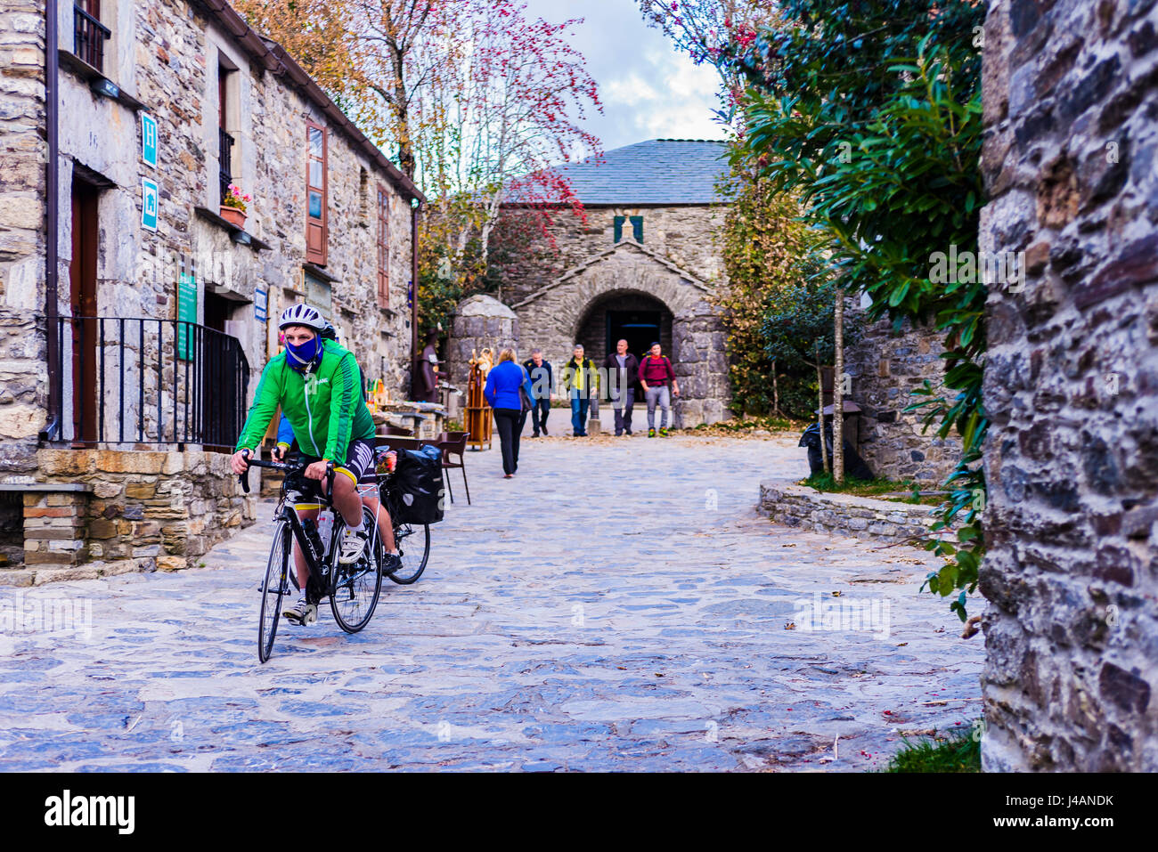 Pilgrims doing the Way of St. James. O Cebreiro. Pedrafita do Cebreiro,Lugo, Galicia, Spain, Europe Stock Photo