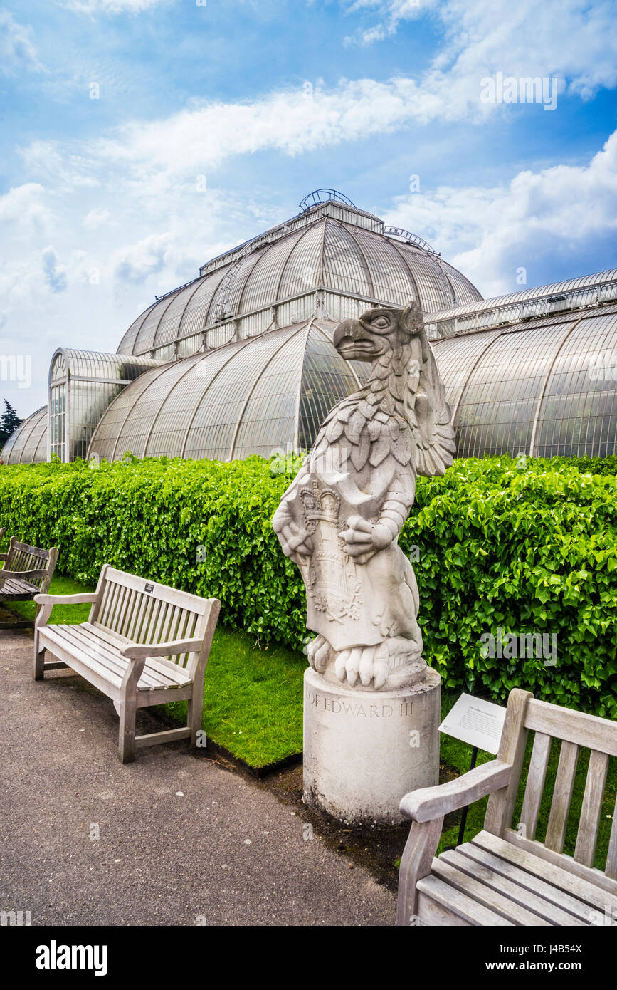 United Kingdom, England, Kew Gardens in the London Borough of Richmond upon Thames, The Queen's Beasts, display - Stock Image