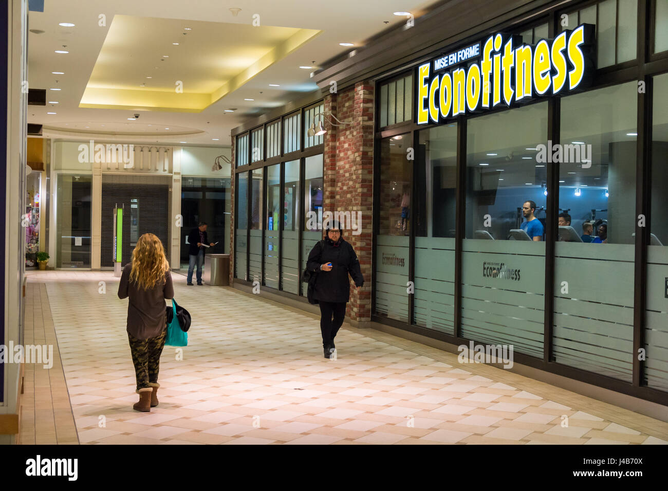 Low-cost gym Econofitness Promenades Cathedrale in Montreal Stock Photo