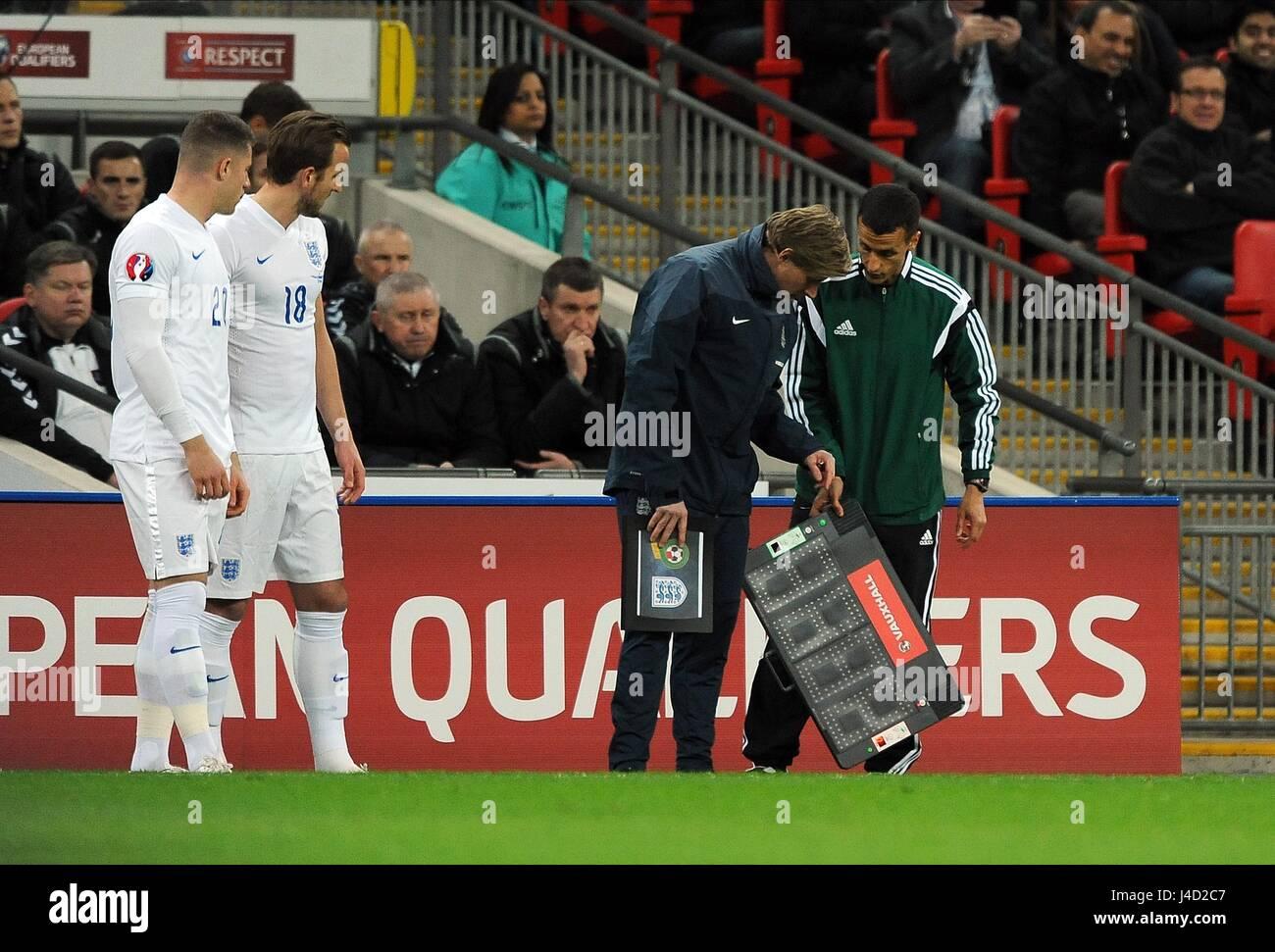 SUBSTITUTES HARRY KANE OF ENGL ENGLAND V LITHUANIA WEMBLEY STADIUM LONDON ENGLAND 27 March 2015 - Stock Image