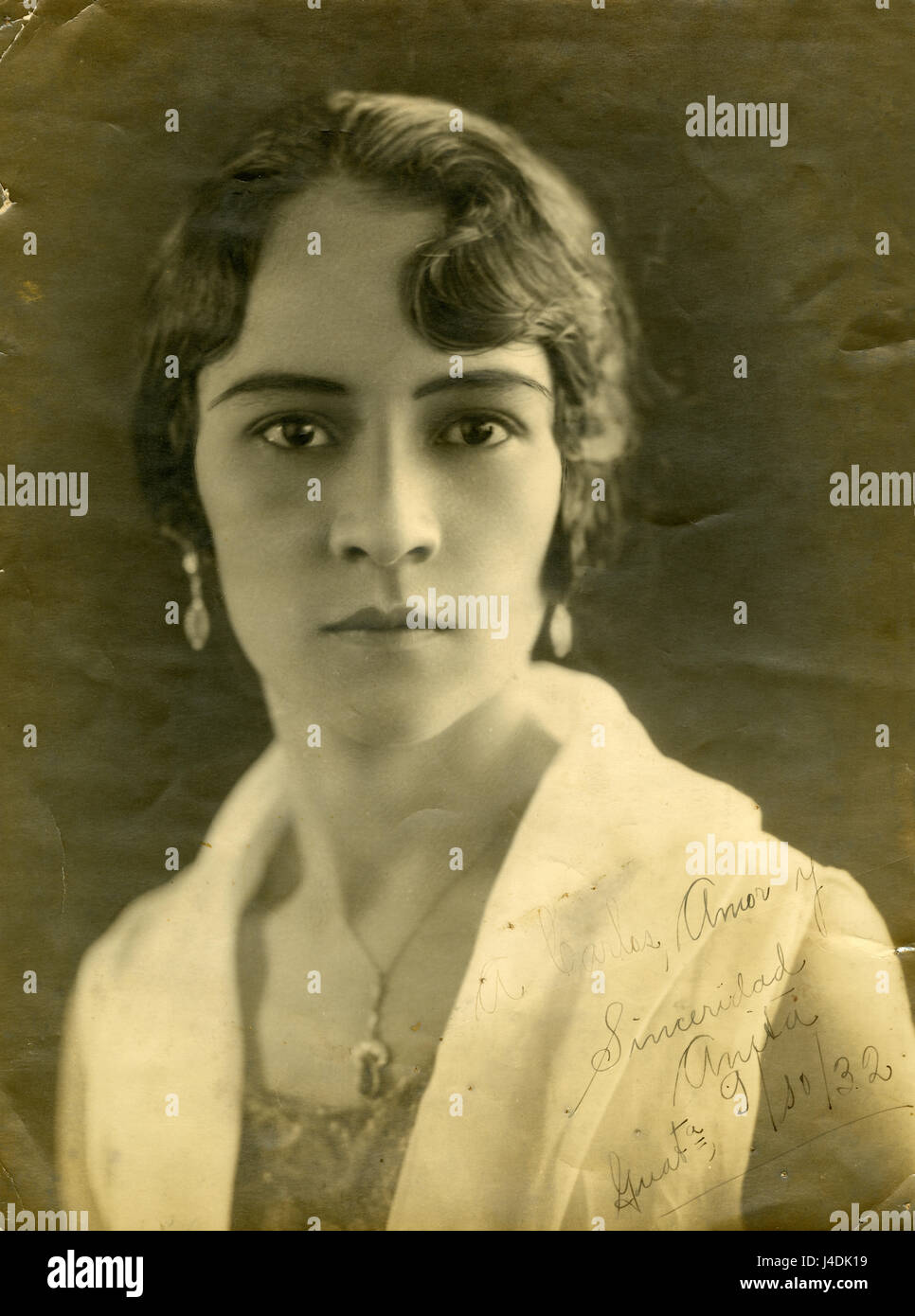 Antique 1932 photograph, a beautiful woman from Guatemala, with inscription. SOURCE: ORIGINAL ENGRAVING. - Stock Image