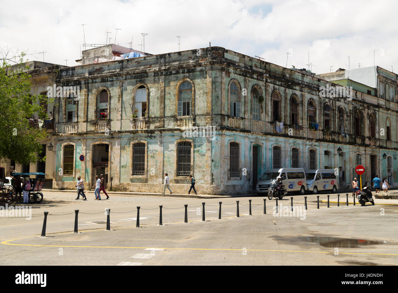 Old building in Havana, Cuba - Stock Image