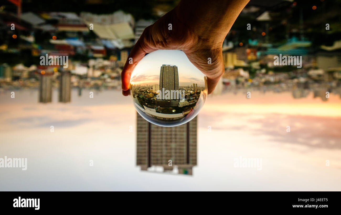 Grabbing the city - Stock Image
