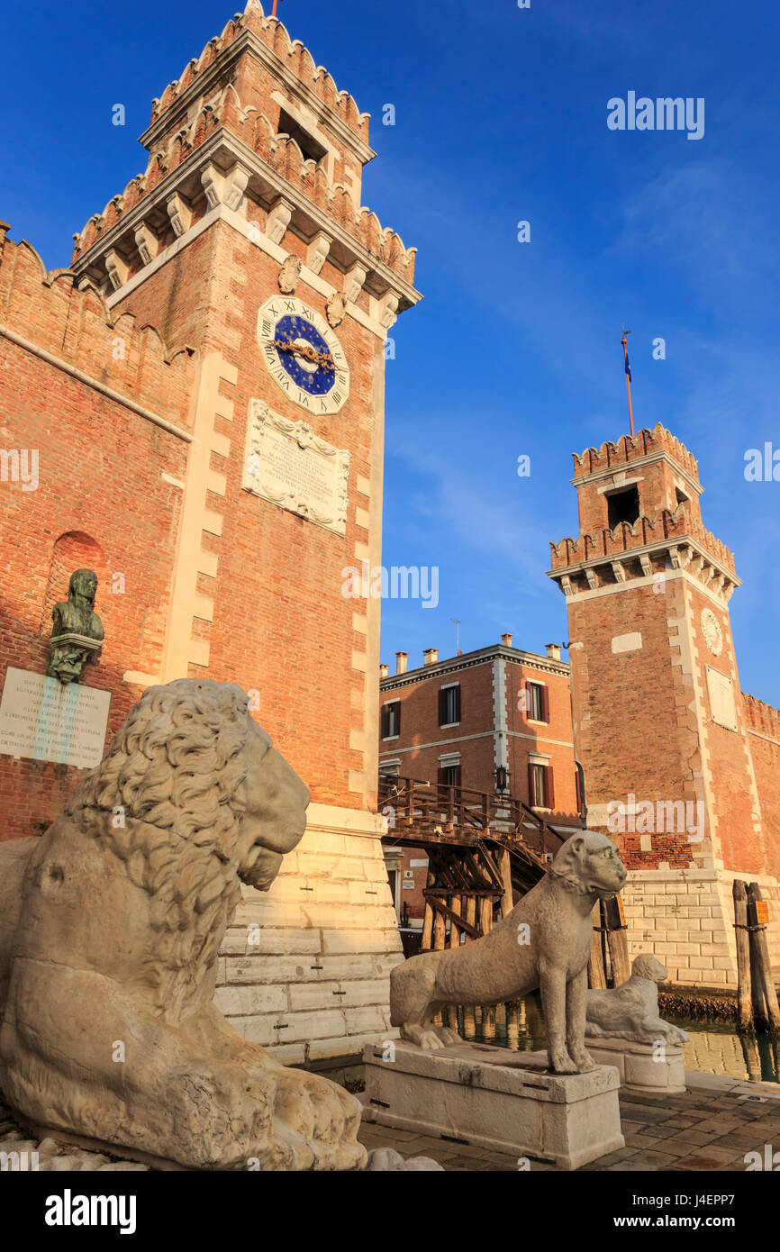 Carved lions, Arsenale entrance (naval shipyard), in winter afternoon sun, Castello, Venice, UNESCO, Veneto, Italy - Stock Image