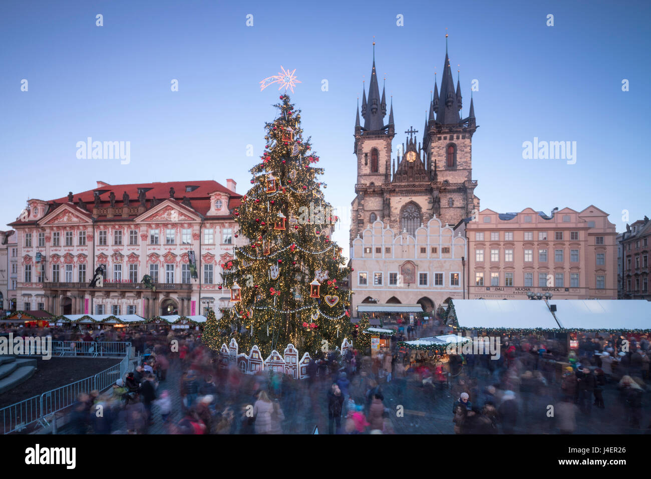 Tourists at the Christmas markets facing the Cathedral of St. Vitus, Old Town Square, UNESCO, Prague, Czech Republic - Stock Image