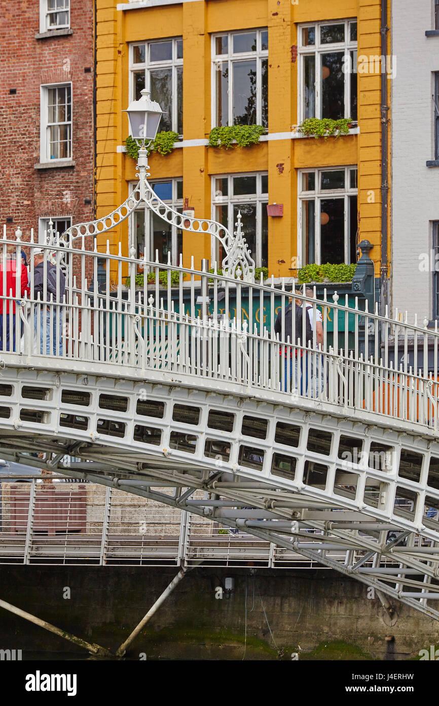Ha'penny Bridge across the River Liffey, Dublin, Republic of Ireland, Europe Stock Photo