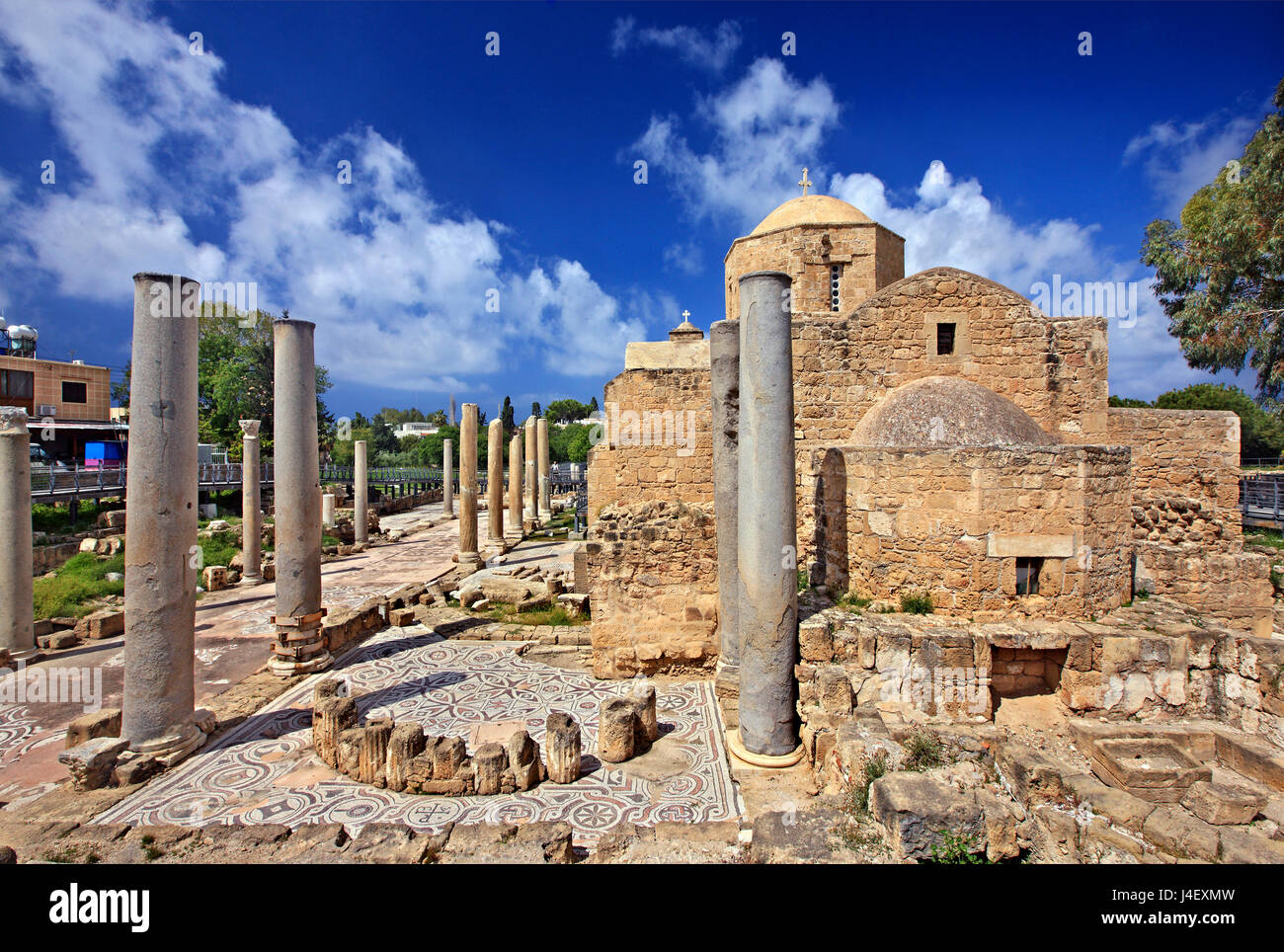 The church of Agia Kyriaki ) surrounded by the ruins of the Early Christian Basilica of Panagia Chrysopolitissa - Stock Image