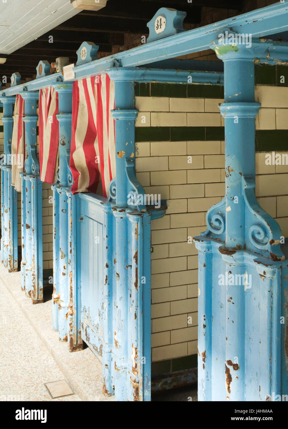 Changing cubicle. Victoria Baths, Manchester, United Kingdom. Architect: Henry Price, 1906. - Stock Image