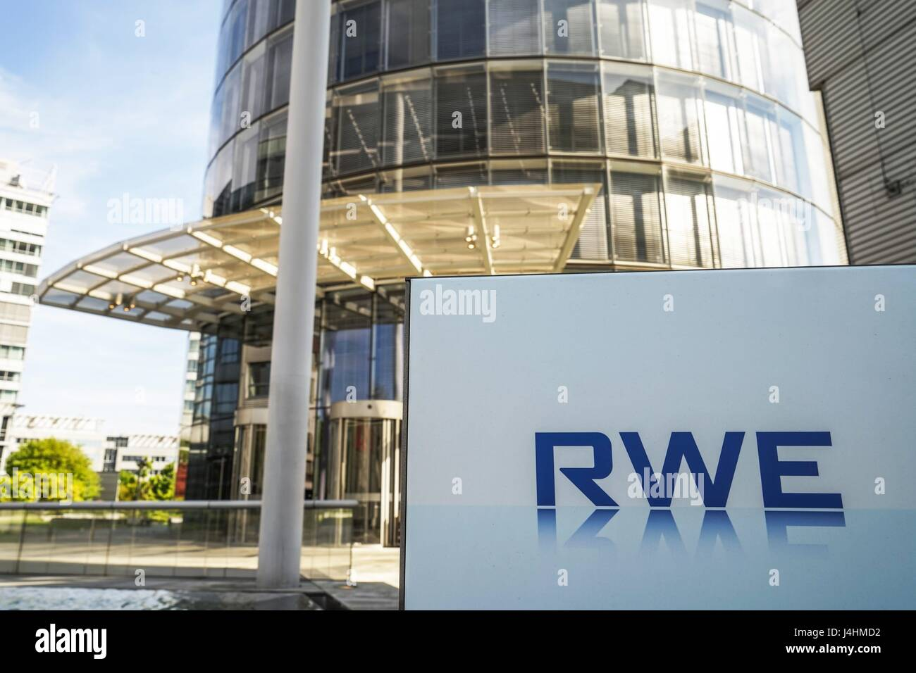 Germany: Headquarters of the German electric utilities company RWE AG in Essen. Photo from 30. April 2017. | usage - Stock Image