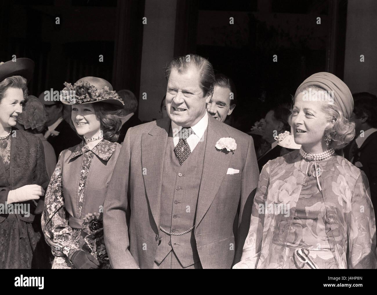 Lady Diana Spencer S Family L R Step Mother Countess Spencer Elder Stock Photo Alamy