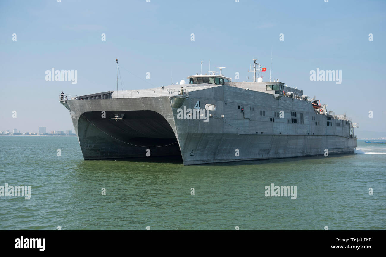 The USN Spearhead-class expeditionary fast transport ship USNS Fall River arrives at the Da Nang Tien Sa Port for Stock Photo