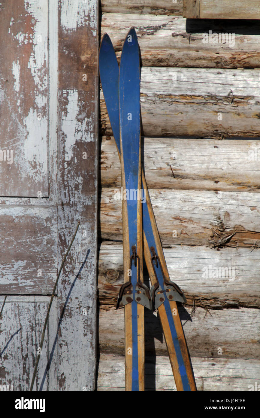 Antique Skis Stock Photos Antique Skis Stock Images Alamy