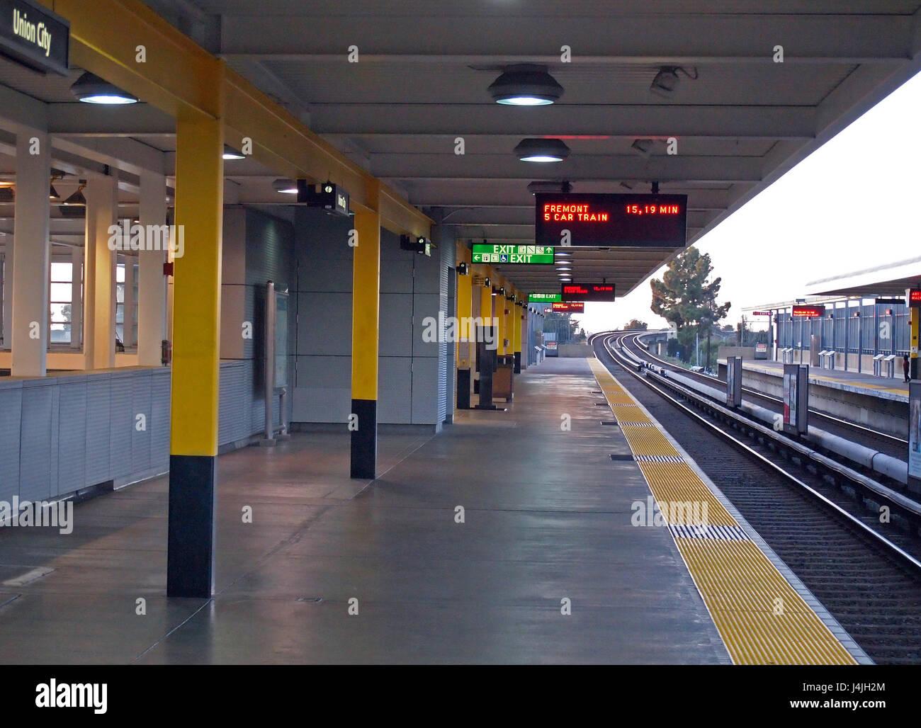 BART, Bay Area Rapid Transit, Union City station boarding platform San Francisco Bay area, California, USA - Stock Image