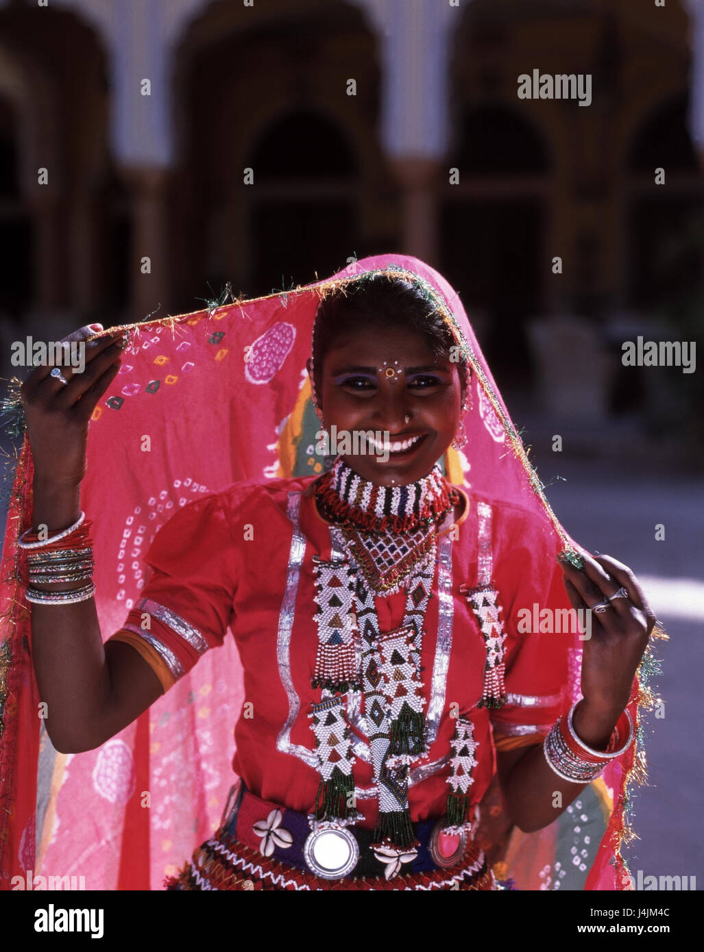 6a24ed6b2c India, Rajasthan, Jaipur, Indian, national costume, half portrait woman,  young, clothes, traditionally, national costume, jewellery, outside