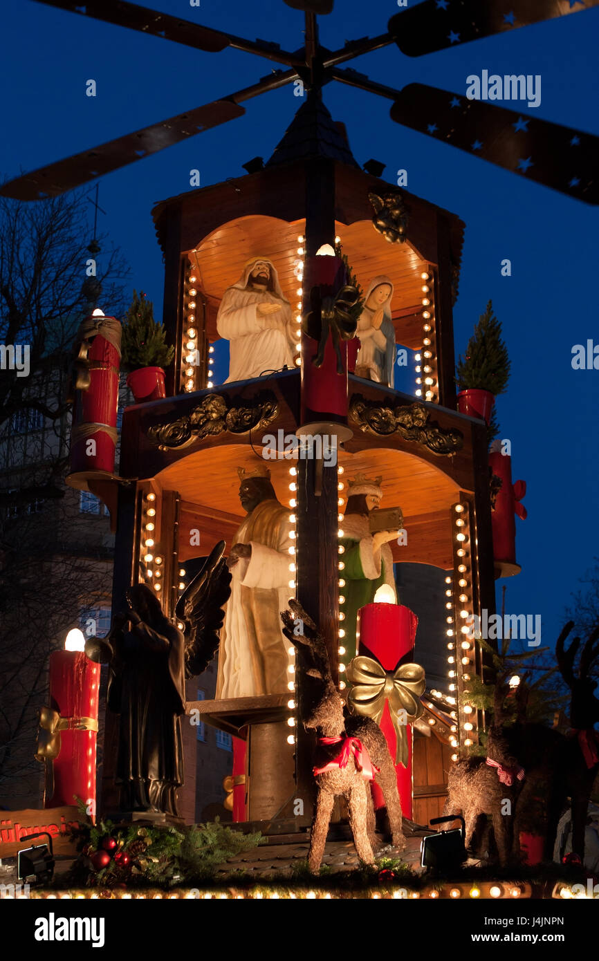 STUTTGART, GERMANY - DECEMBER 3, 2016: Christmas decoration with figures at night at Christmas market (Weihnachtsmarkt) - Stock Image