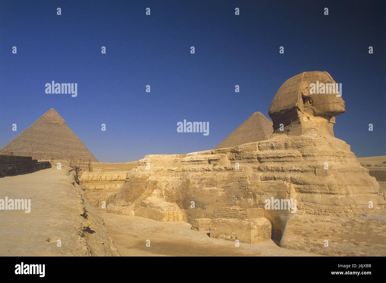 Egypt, Gizeh, pyramids, sphinx outside, Africa, East, Giseh, Gise, Giza, Al-Giza, El-Giseh, pyramid, place of interest, - Stock Image