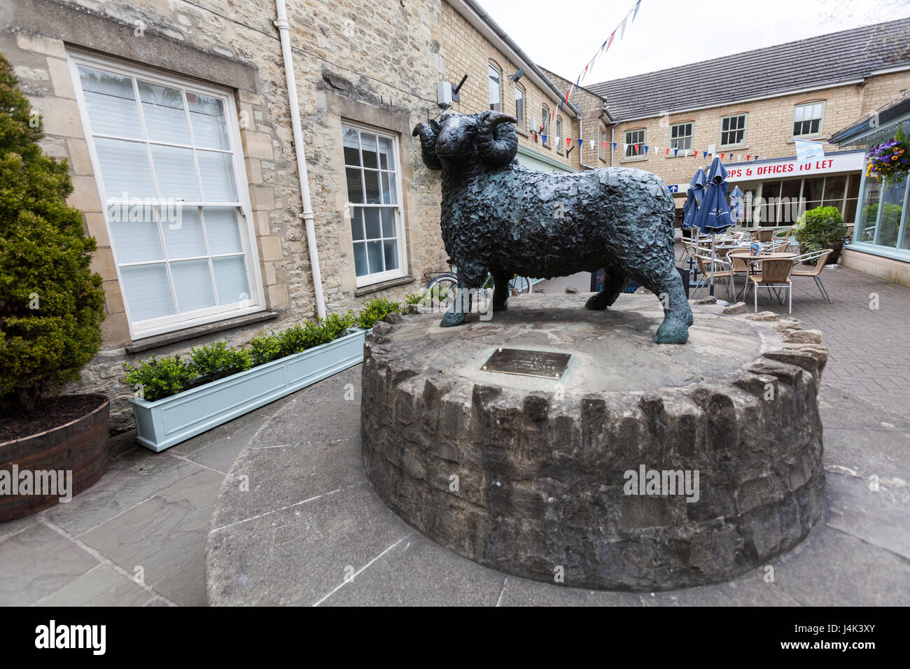 The Wool market sheep statue, Cirencester, Gloucestershire, England - Stock Image