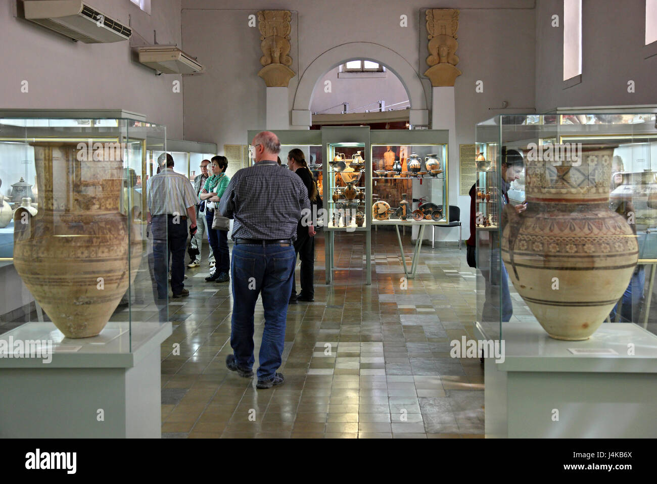 Ancient amphorae in the Cyprus (archaeological) Museum, Nicosia (Lefkosia) - Stock Image