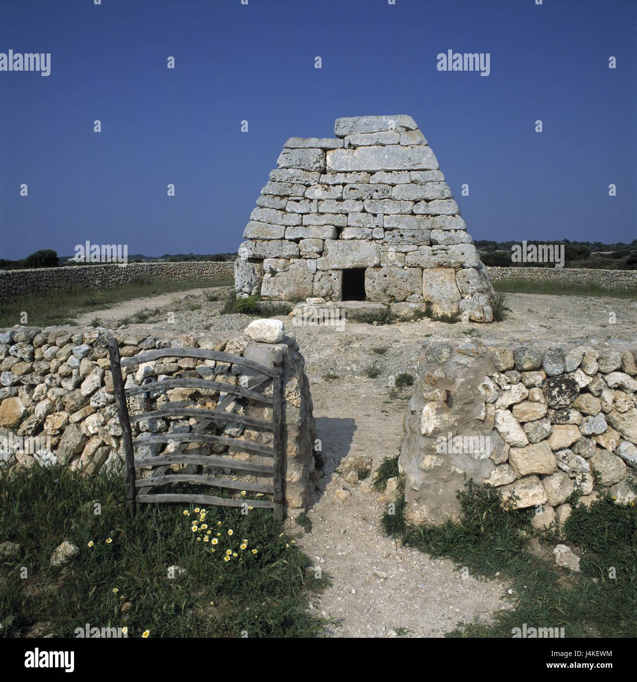 Spain, island Menorca, Nau d'es Tudons, tomb Europe, the Balearic Islands, Balearic Islands island, Naveta d'es - Stock Image