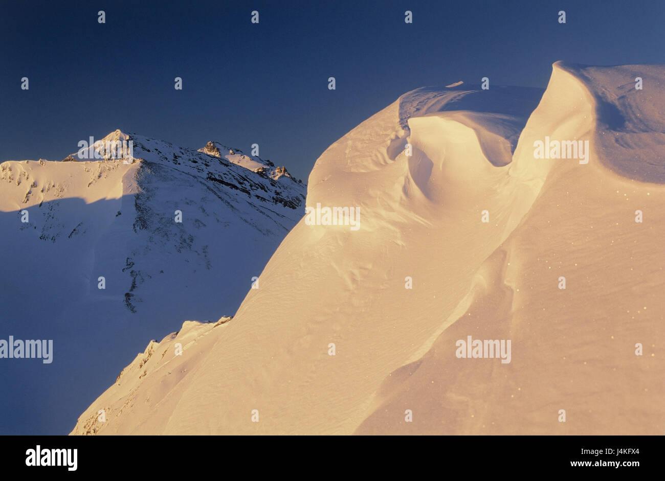 Austria, Tyrol, Silvretta, Ils Calcuogns, summit, Schneeverwehungen, evening light Europe, alps, mountain landscape, - Stock Image
