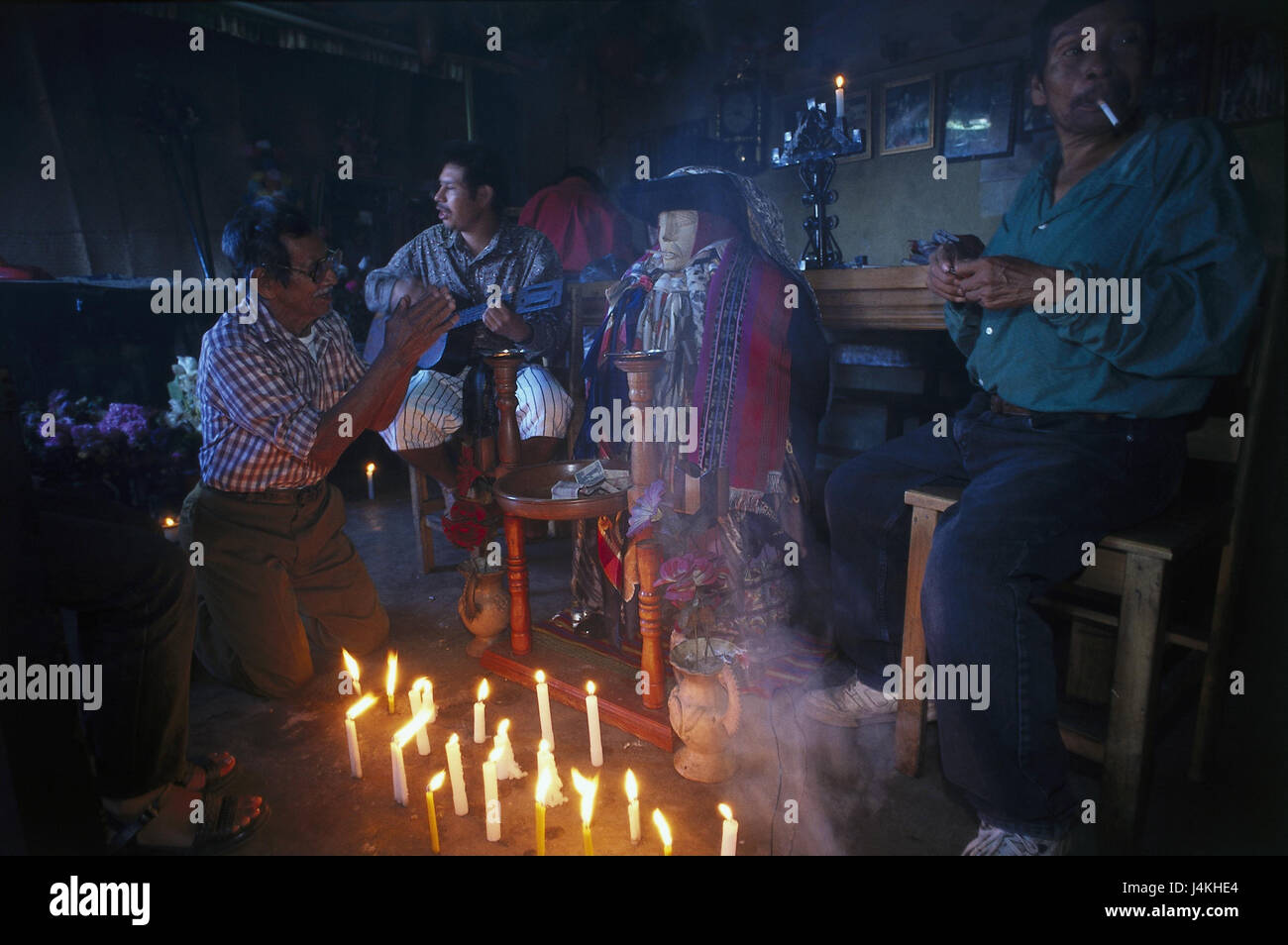 Guatemala, Santiago Atitlan, men, prayer, ceremony men, religion, recite, prayer, skyers, blast, man, guitar, donation, - Stock Image