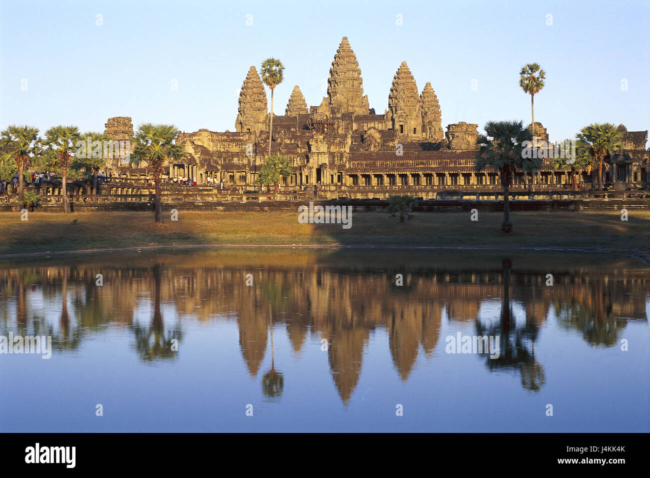 Cambodia, Angkor Wat, Khmer temple, pond, mirroring Asia, South-East Asia, temple, temple attachment, builds in - Stock Image