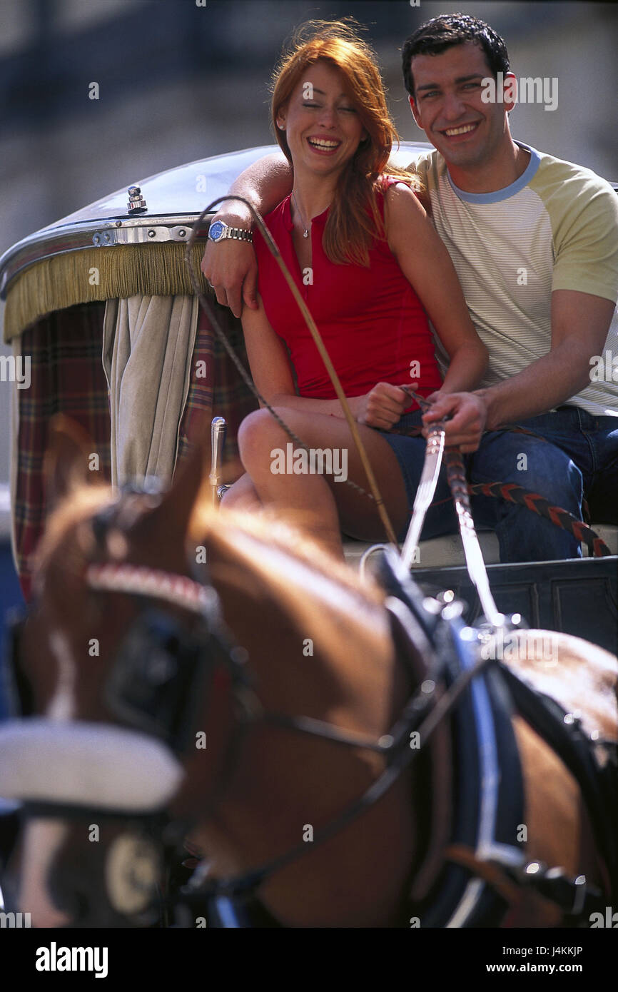 Horse's carriage, couple, smile, embrace young, falls in love, love, affection, excursion, leisure time, together, - Stock Image