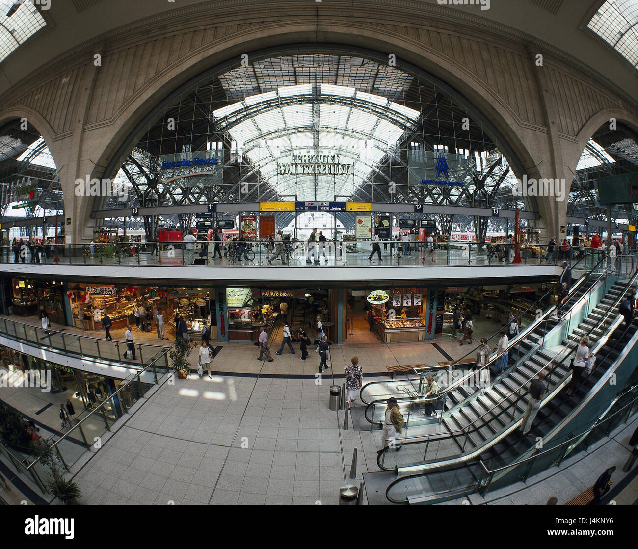 Germany, Saxony, Leipzig, central station, 'promenades', shopping arcade, escalators, passers-by town, centre, - Stock Image