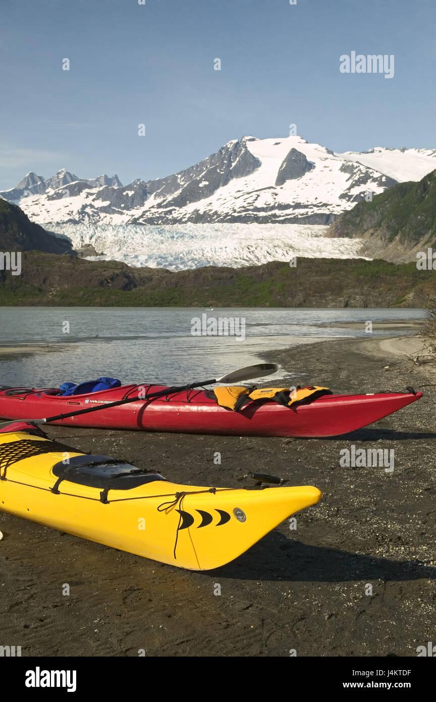 The USA, Alaska, Inside passage, Juneau, Mendenhall brine, shore, kayaks North America, the United States of America, - Stock Image