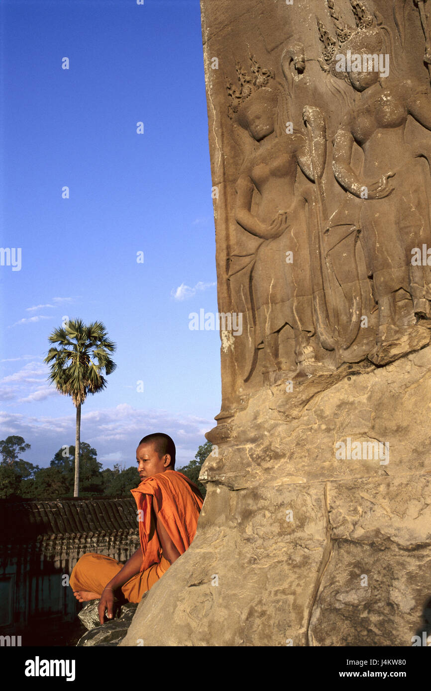 Cambodia, Angkor Wat, temple, facade, detail, relief, monk, détente, no model release Asia, South-East Asia, - Stock Image